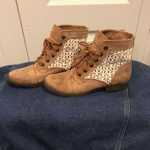 Tan & Lace Booties!